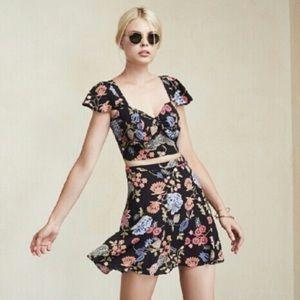 Reformation sz 4 2 piece floral crop top/skirt set
